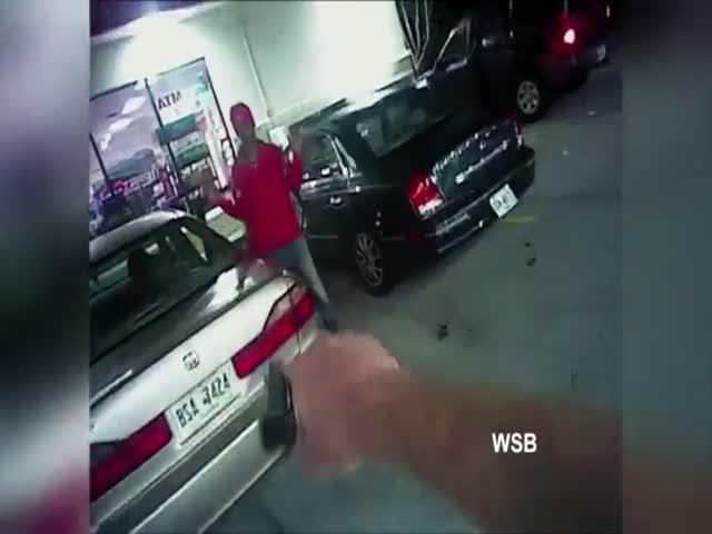 Парень попытался убежать от полицейского