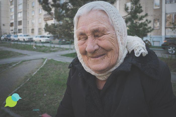 Пенсионерка из Челябинска спасла жилой дом от пожара (6 фото)