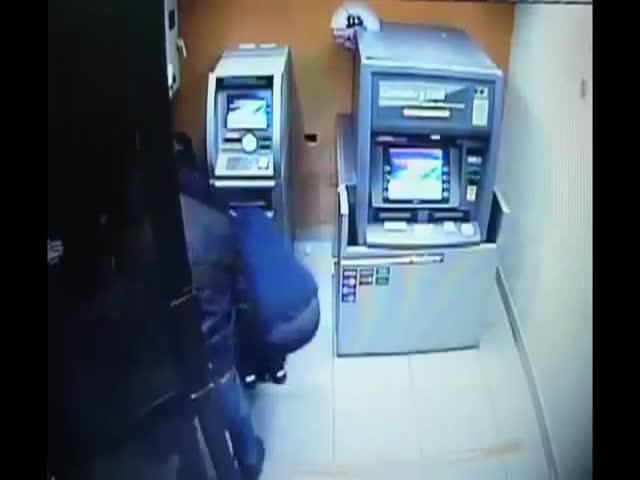 Оперативное ограбление банкомата