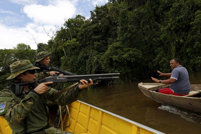 Гаримпейрос - нелегальные золотодобытчики Бразилии (14 фото)
