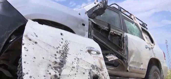 Изрешеченный боевиками ИГИЛ автомобиль ВМС США (4 фото)