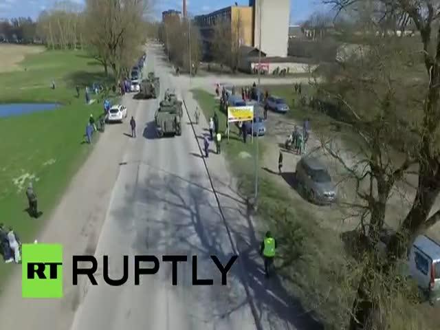 Дрон снял на видео учения НАТО в Эстонии у российской границы