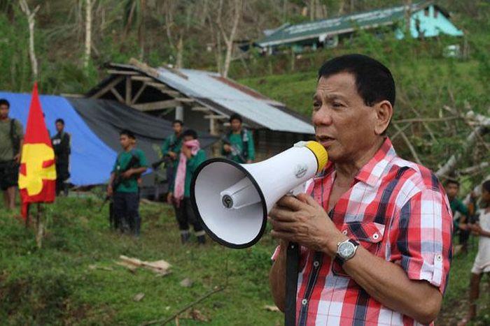 Радикальный мэр города Давао Родриго Дутерте избран президентом Филиппин (7 фото)