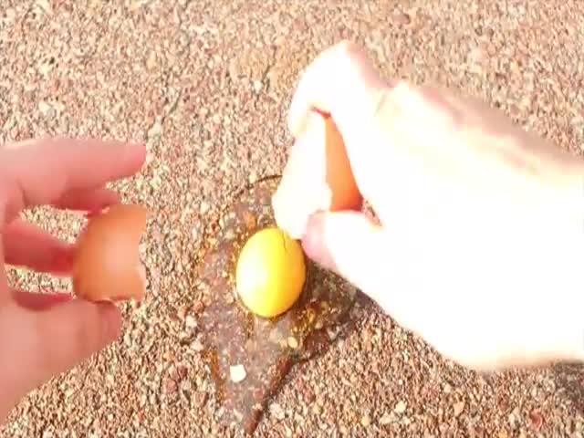 Как готовят яичницу в Австралии