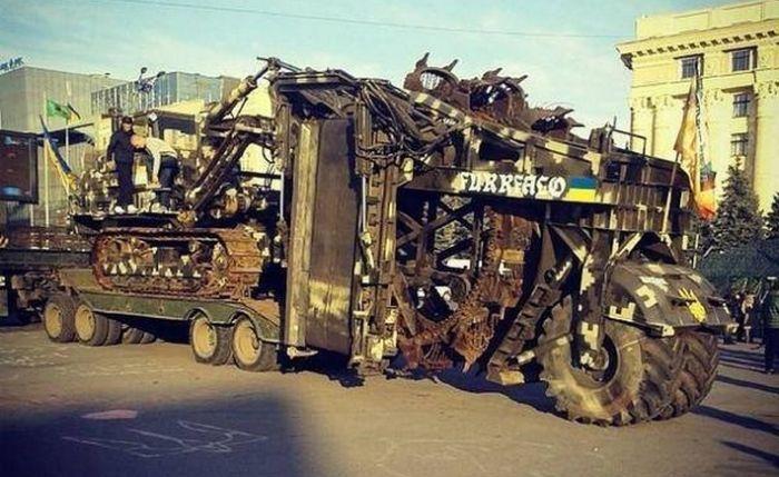 Самые запоминающиеся образцы самодельной украинской бронетехники (32 фото)