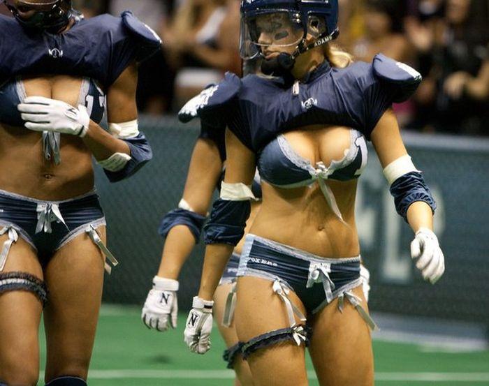 Сексуальная жизнь американский женский футбол голые
