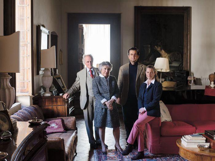 Итальянская семья на протяжении 6 веков вела записи и составила огромный архив (5 фото)