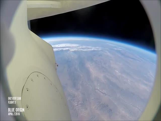Компания Blue Origin в третий раз посадила многоразовую ракету