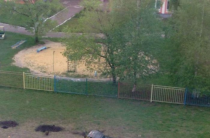 Саранские бабушки против детского футбольного поля (фото)