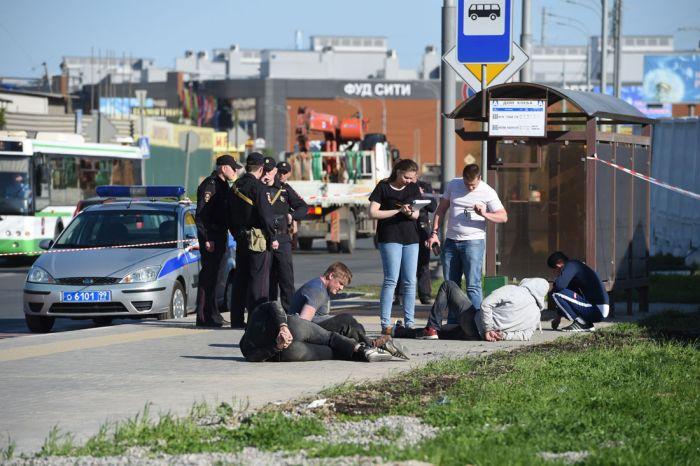 В Москве на Хованском кладбище произошла массовая драка (12 фото + 2 видео)