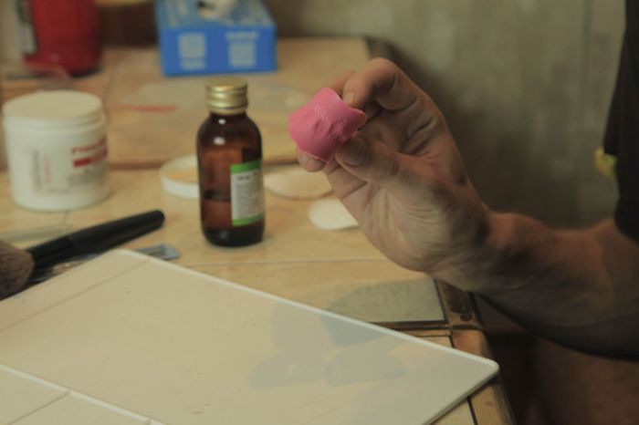 Тонкости гримерного дела (24 фото)