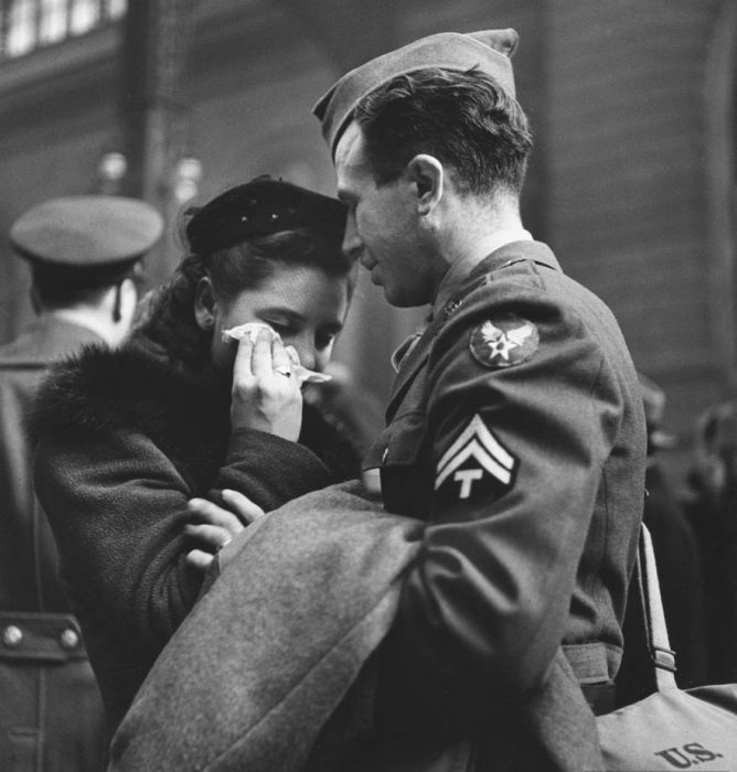 Фото влюбленных, сделанные в период Второй мировой войны (35 фото)