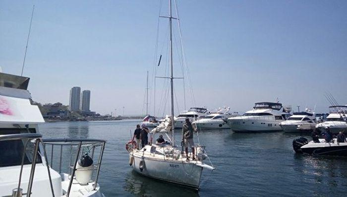 В Японском море у берегов КНДР задержали российскую яхту «Элфин» (2 фото + видео)