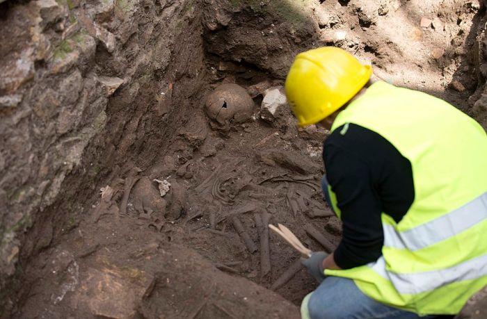 В Риме во время строительства новой станции метро обнаружены древние казармы (17 фото)