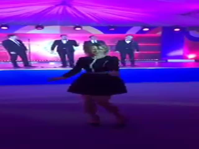 Мария Захарова пустилась в пляс
