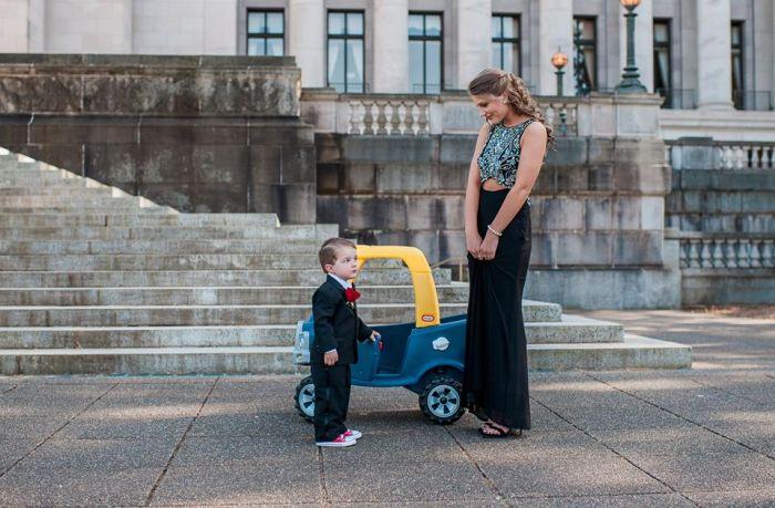 Забавная фотосессия малыша, вдохновленная взрослой жизнью (14 фото)