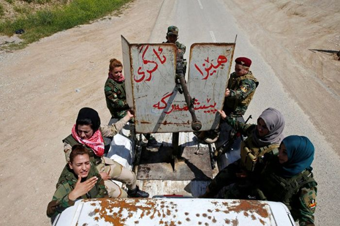 Женщины, сражающиеся против ИГИЛ (16 фото)