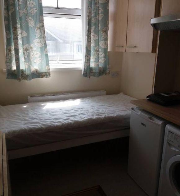 Недорогая квартира-студия в Лондоне (3 фото)