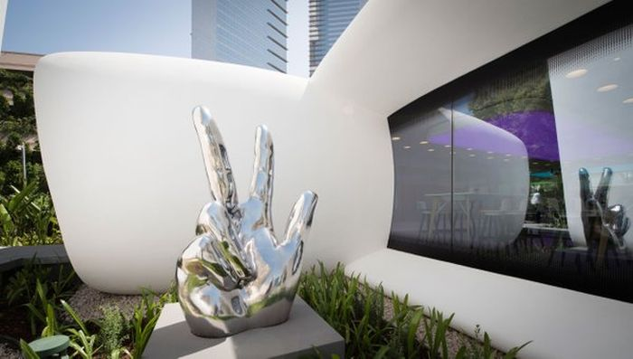 В Дубае построили первый офис, напечатанный на 3D-принтере (6 фото)