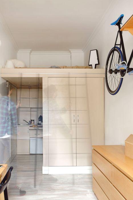 Молодой дизайнер создал идеальную квартиру-студию на площади 13 квадратных метров (11 фото)