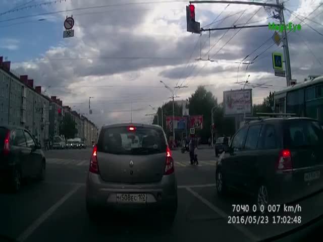 Уфимский маршрутчик грубо нарушает ПДД