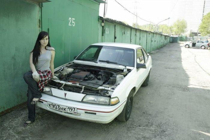 Необычный завсегдатай гаражного кооператива (15 фото)