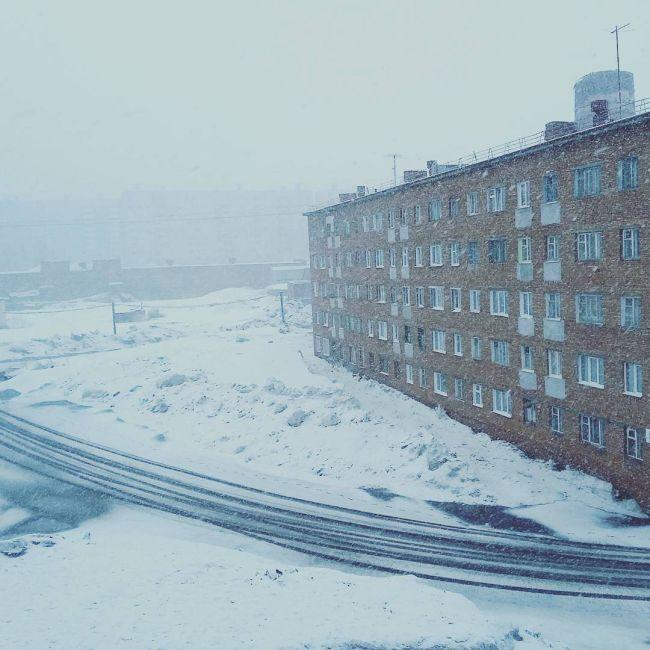 Май в Норильске (8 фото)
