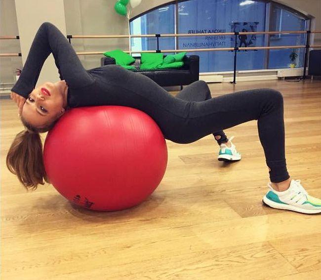 Наталья Чистякова-Ионова («Глюкоза») порадовала пользователей сети откровенными фото (3 фото)
