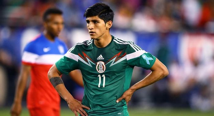 Мексиканский футболист Алан Пулидо смог самостоятельно спастись от похитителей (3 фото)
