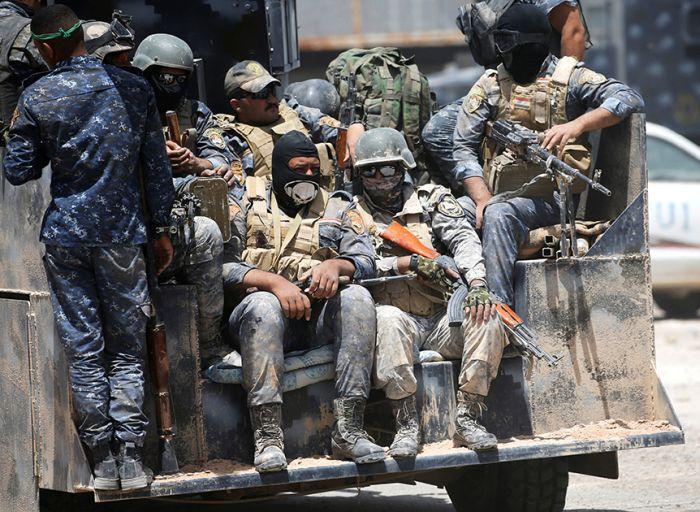 Иракская армия отбивает у «Исламского государства» город Эль-Фаллуджи (21 фото)