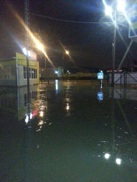 В Краснодаре за несколько часов выпала полуторамесячная норма осадков (20 фото)