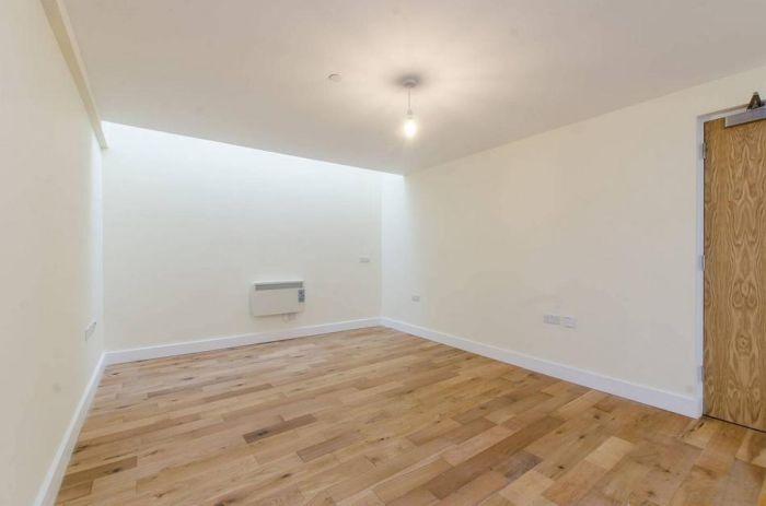 Лондонская квартира в бывшем складе за 1625 фунтов в месяц (5 фото)