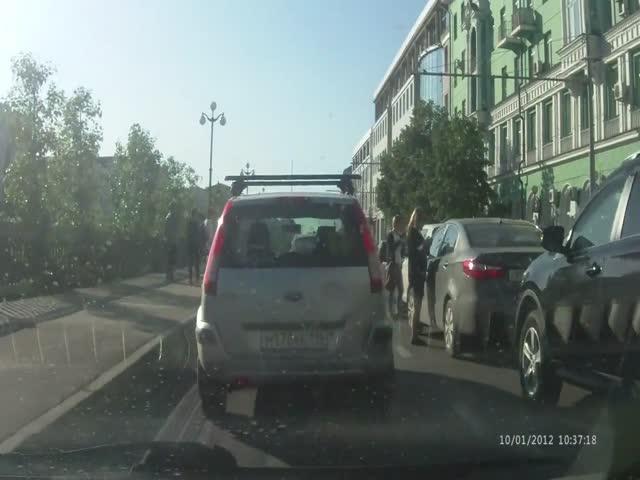4 автоледи попали в аварию