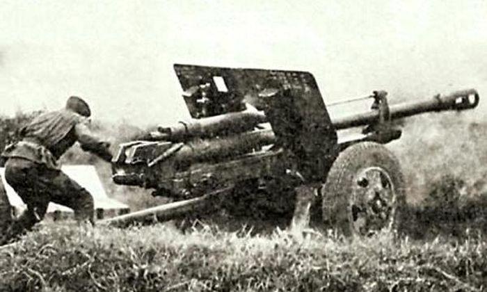 Подвиг советского артиллериста, подбившего в одиночку 8 танков (4 фото)