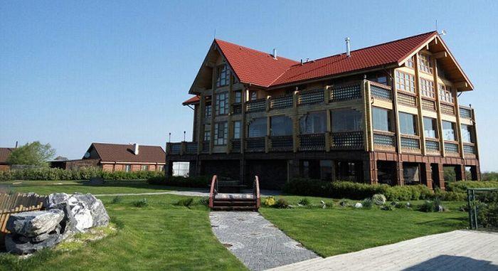 Роскошный особняк арестованного мэра Владивостока Игоря Пушкарева (4 фото)