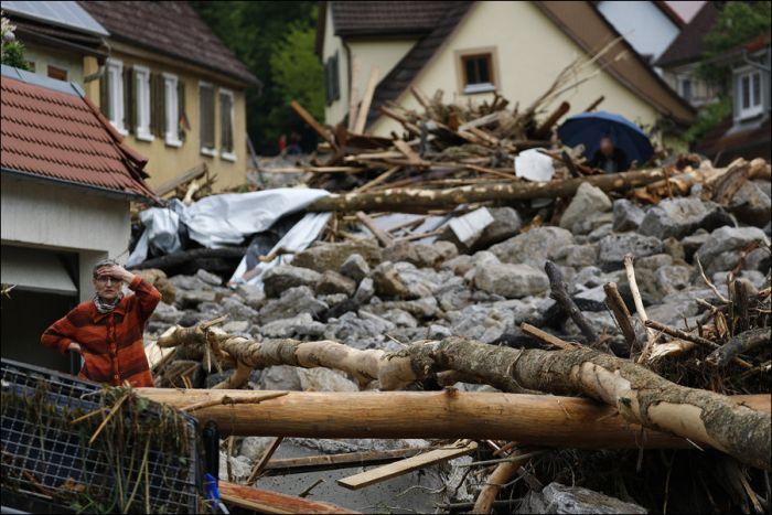 Последствия наводнений в Европе (19 фото)