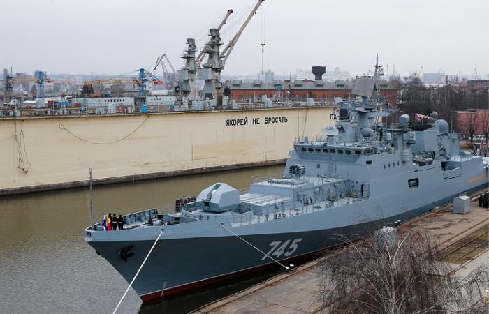 Фрегат «Адмирал Григорович» прибыл в Севастополь (4 фото)