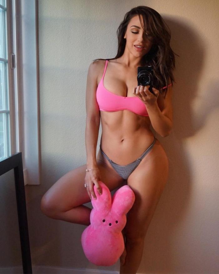 Секси девочки с великолепной грудью