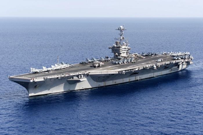 Переброска американского авианосца Harry Truman в Средиземное море носит демонстративный характер (5 фото)