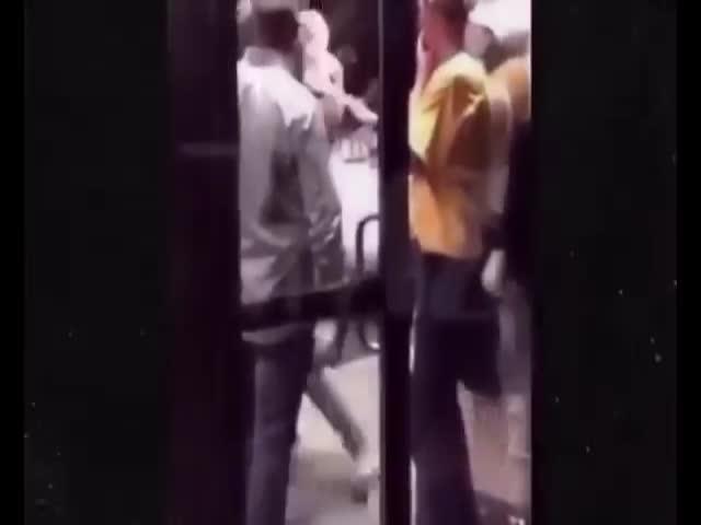Джастин Бибер подрался с темнокожим мужчиной
