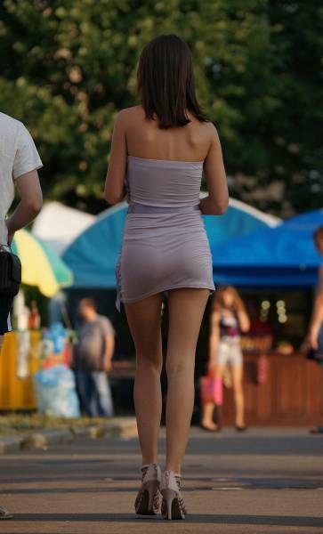 Симпатичные девушки на прогулке (20 фото)