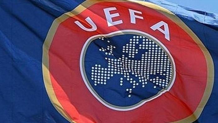 Российский футбольный союз оштрафован на 150 000 евро, а сборная России условно дисквалифицирована с Евро-2016 (3 фото)
