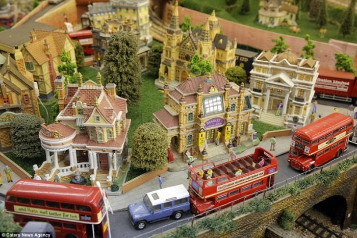 Британский пенсионер собрал модель железной дороги, оценивающуюся в 250 000 фунтов стерлингов (11 фото)