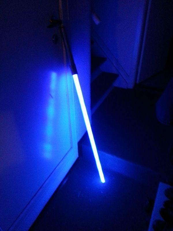 Самодельный световой меч (12 фото)