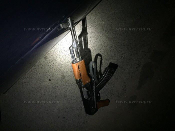 В Саратове задержали узбеков, катавшихся по городу с оружием в руках (5 фото)