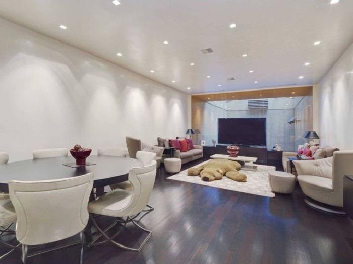 Дом, похожий на гараж, за 29 миллионов долларов (12 фото)