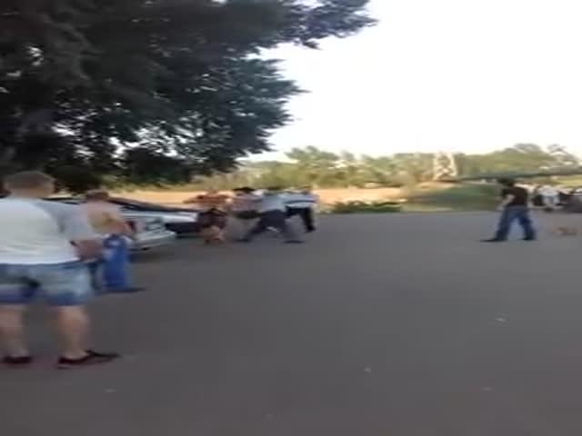 Драка с полицейским в городе Салават