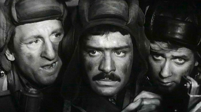 Герои сериала «Четыре танкиста и собака» тогда и сейчас (2 фото)