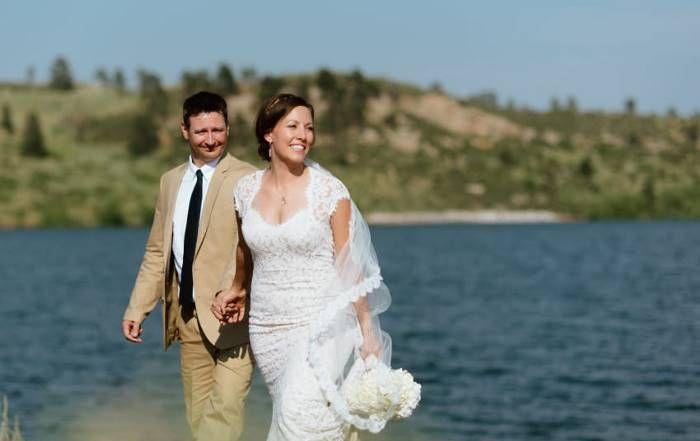Укус гремучей змеи омрачил, но не испортил свадебный фотосет молодоженов (10 фото)