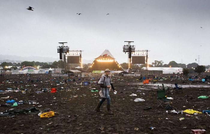 Как сейчас выглядит место проведения Гластонберийского фестиваля (29 фото)